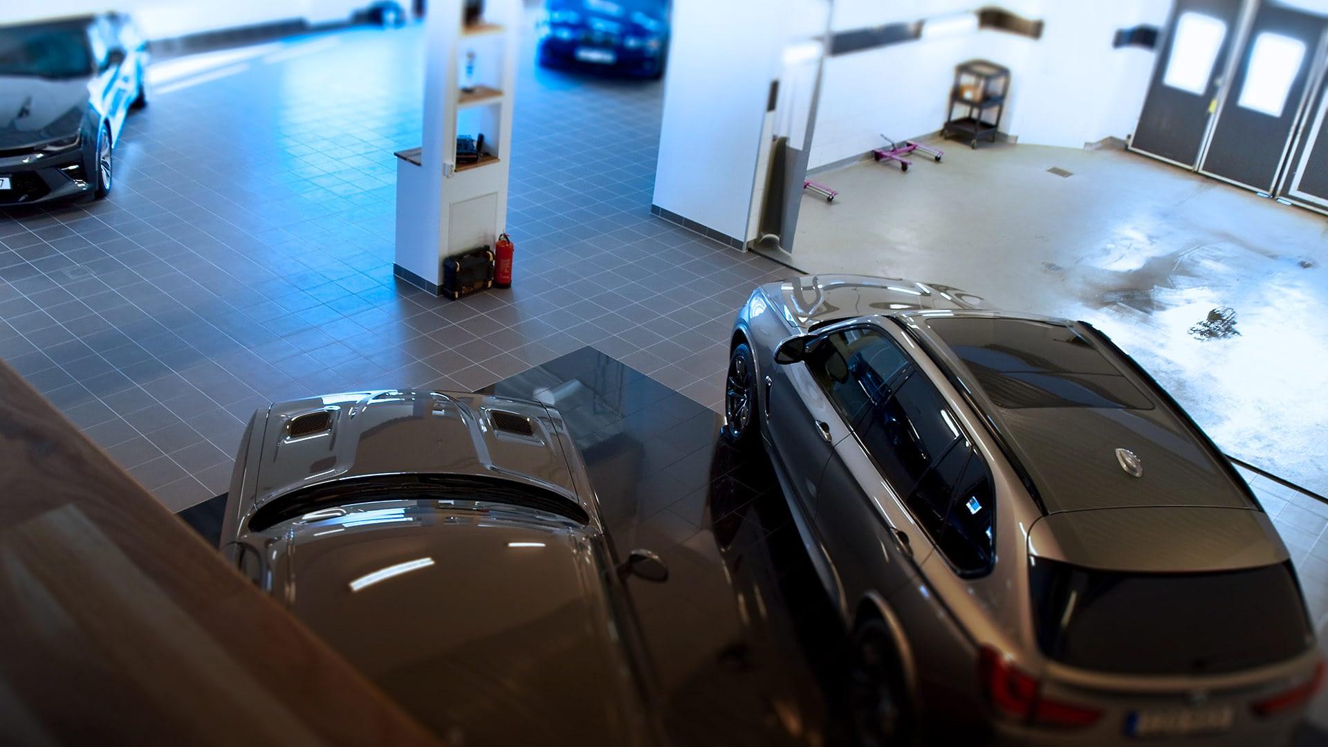 Vi är en Autoexperten verkstad. Vi erbjuder full service och fixar bilen efter dina behov.
